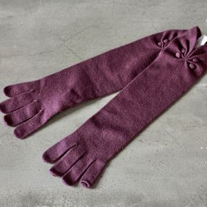 nordstrom button gloves in beetberry, NWT